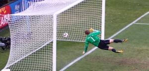 Copa 2010. A bola ultrapassou a linha, mas o juiz não validou o gol de Lampard - Inglaterra x Alemanha