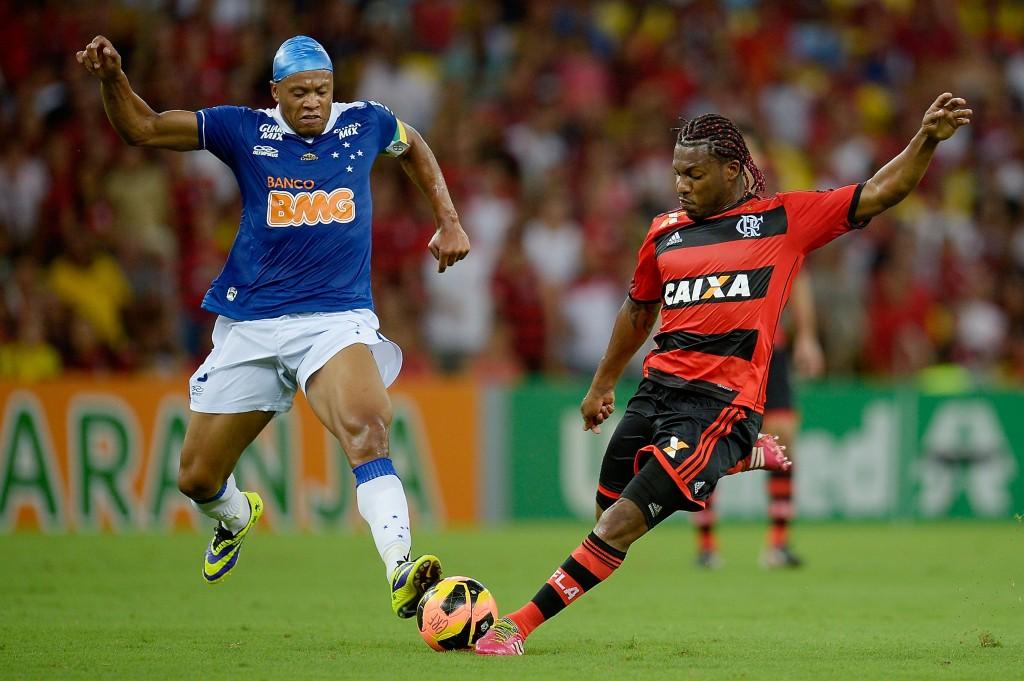 Campeões nacionais em 2013, Flamengo e Cruzeiro se encontraram na última rodada do Brasileirão.