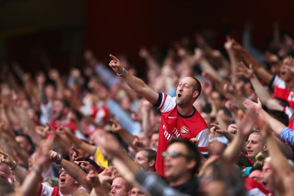 Torcida do Arsenal: força nas arquibancadas e nas redes sociais