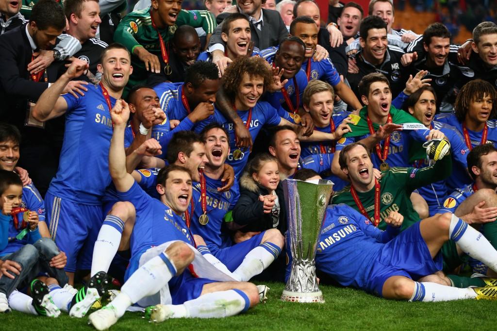 Chelsea comemora título da Liga Europa. Sucesso no campo e nas redes sociais