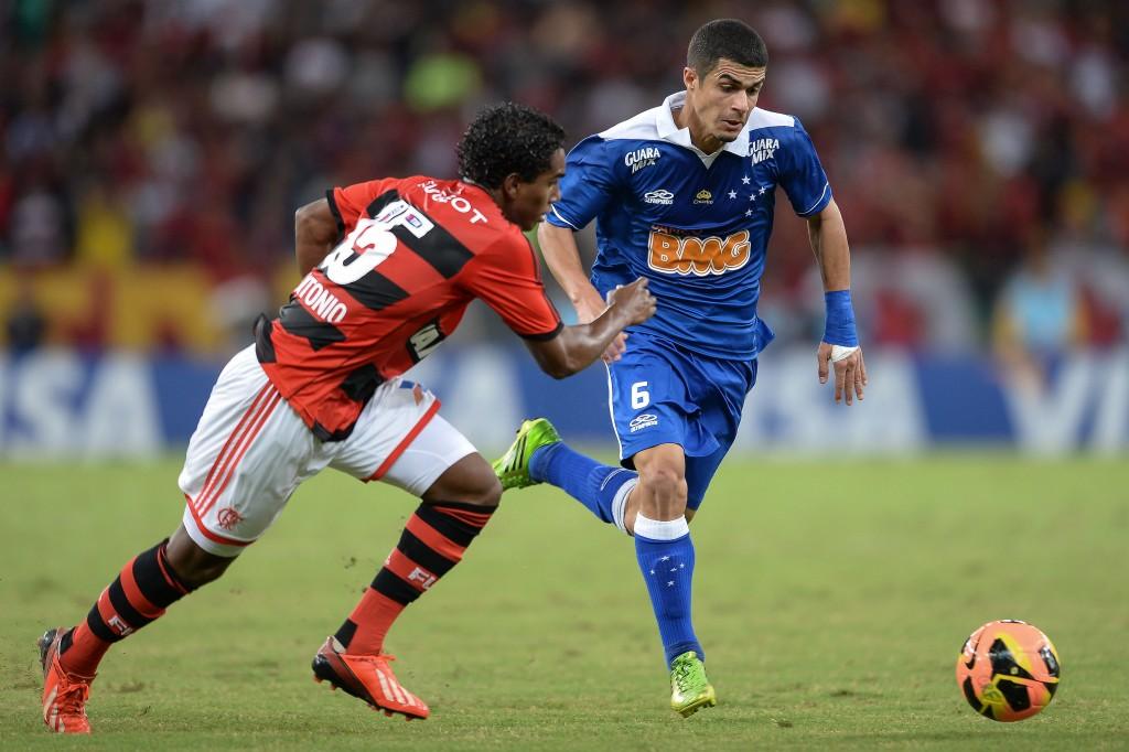 Cruzeiro e Flamengo devem avançar na Libertadores