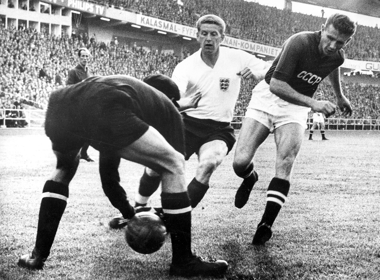 Soccer - World Cup Sweden 1958 - Group Four - England v USSR