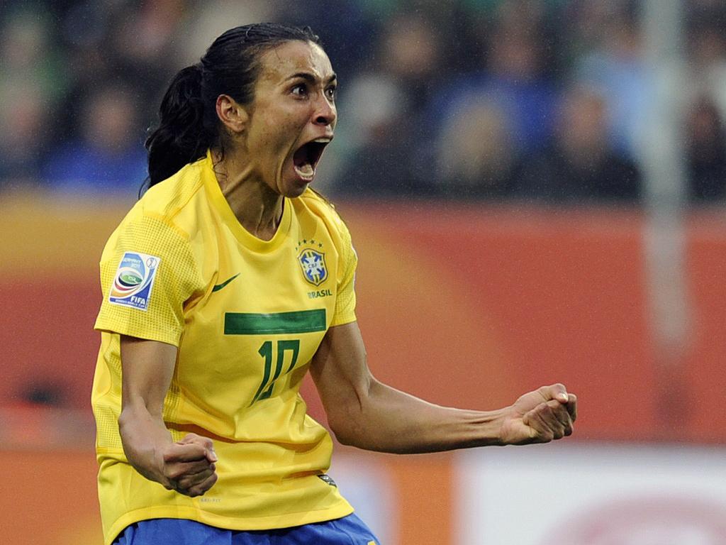 marta-comemora-gol-do-brasil-contra-a-noruega-1309711584287_1024x768