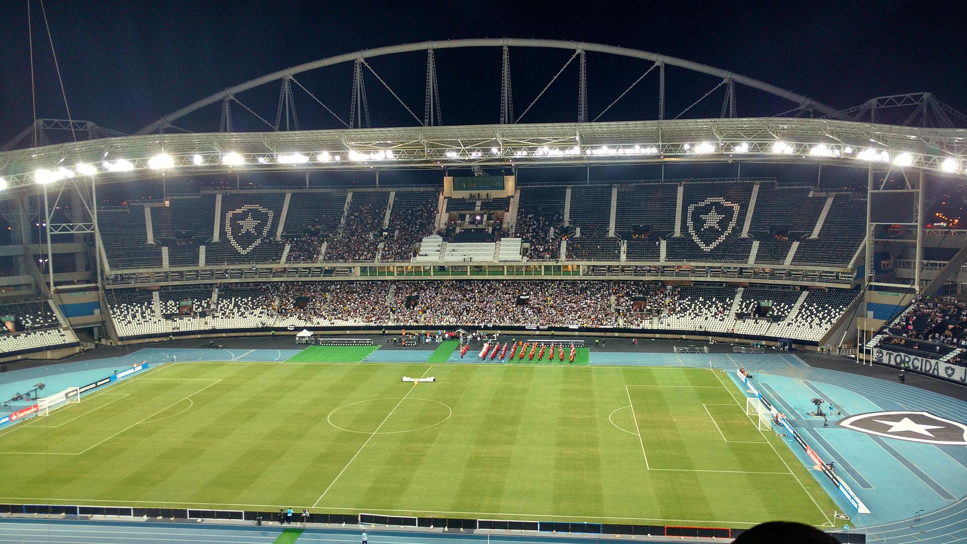 (Estádio Nilton Santos - Fonte: Wikimedia)