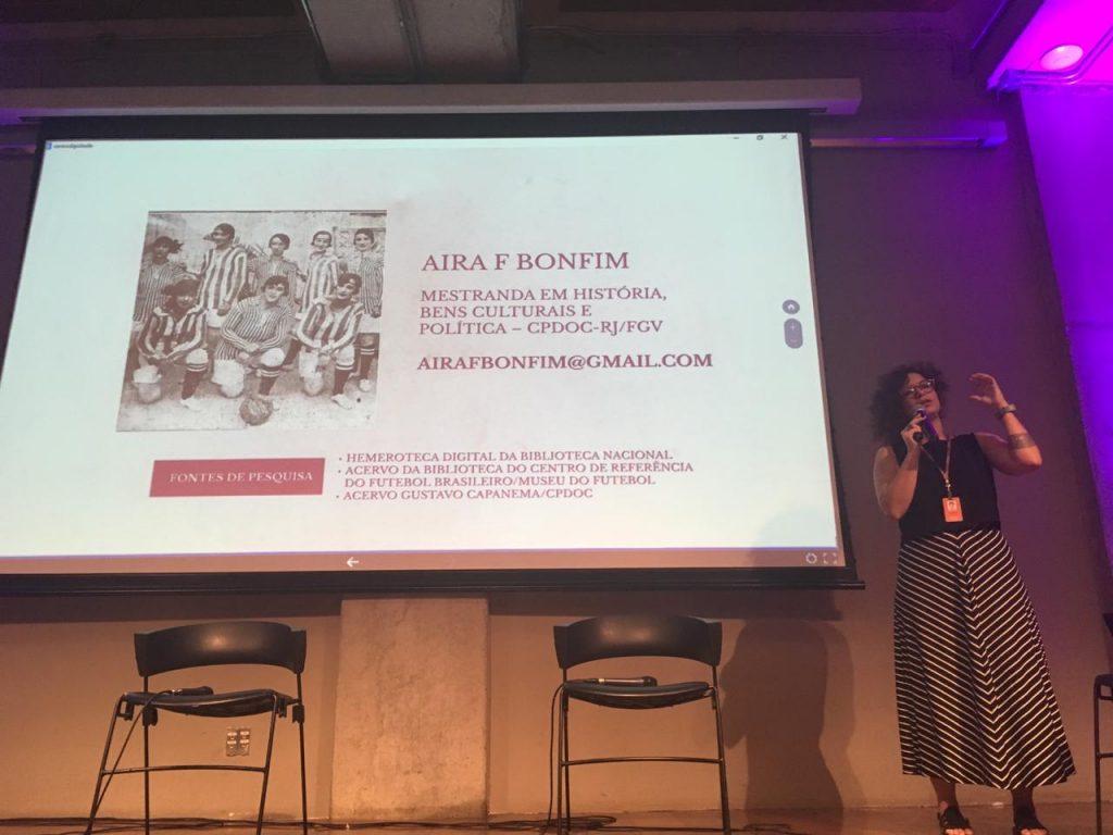 Aira Bonfim durante o I Encontro da Rede de Pesquisa sobre Futebol e Mulheres na América Latina (Foto: Museu do Futebol)