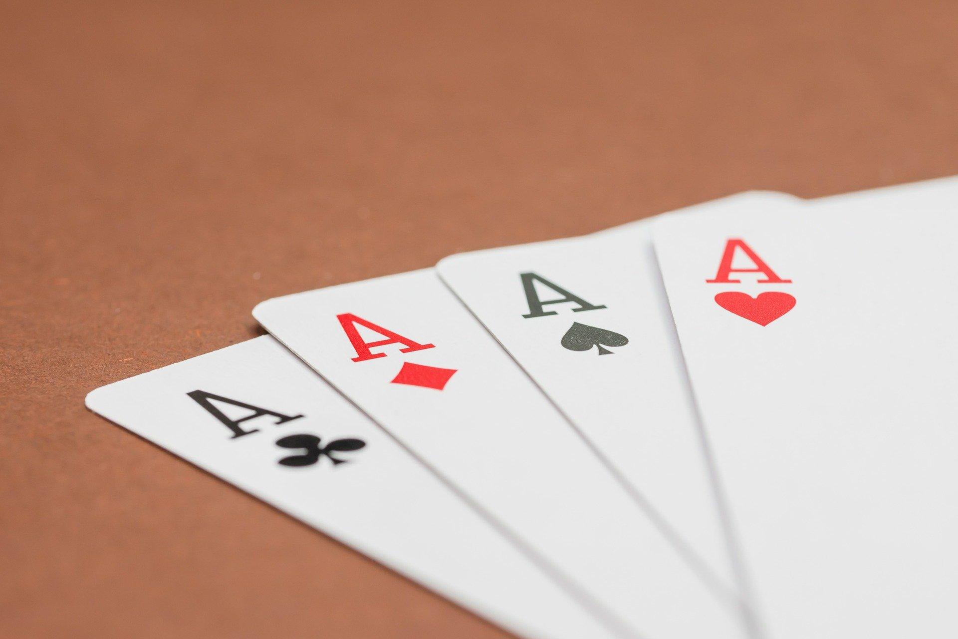 """Four de """"Ases"""" no poker."""